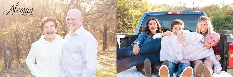 Dallas-Family-Photographer-aleman-photos-carrollton-outdoor-fall 014