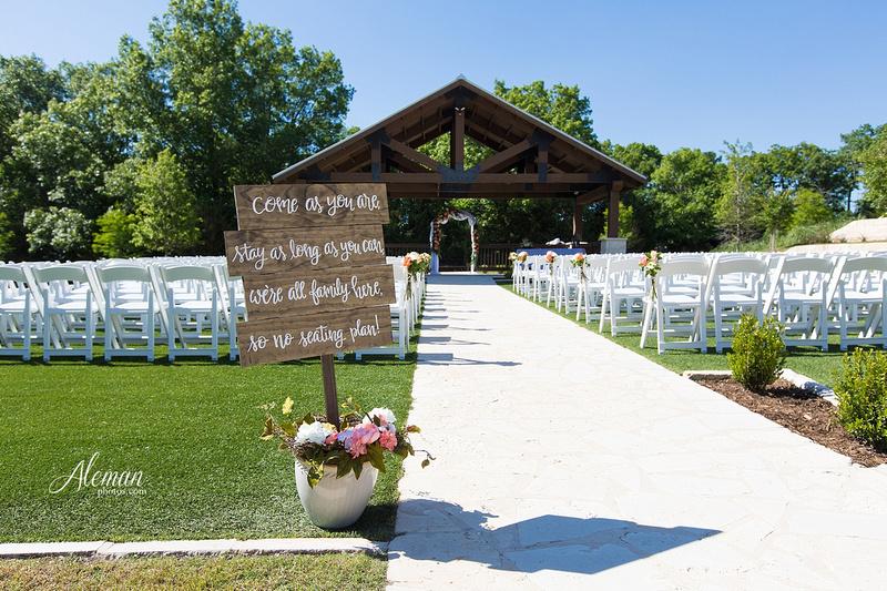 the-springs-mckinney-wedding-anna-texas-country-outdoor-dallas-photographer-aleman-photos-cowboys-softball-blue-jeans-boots014