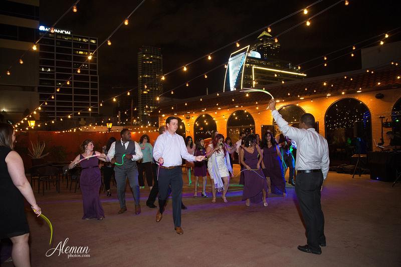 engagement-dallas-downtown-wedding-skyline-wedding-photographer-aleman-photos-dallas-miranda-alex048