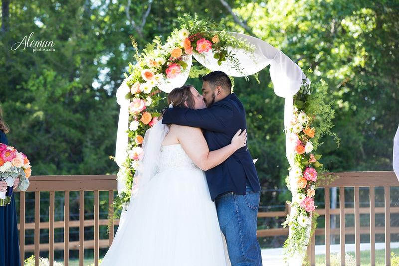 the-springs-mckinney-wedding-anna-texas-country-outdoor-dallas-photographer-aleman-photos-cowboys-softball-blue-jeans-boots022