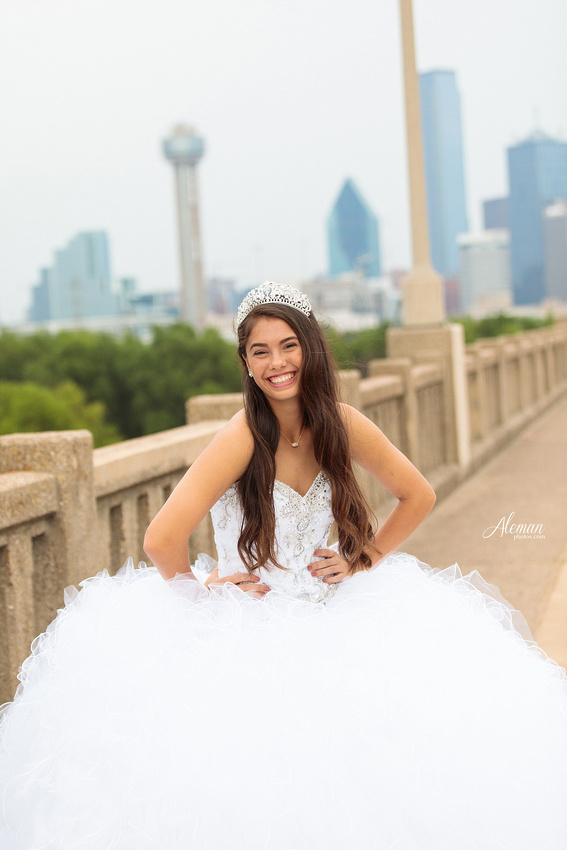 quince-portraits-teen-white-dress-dallas-skyline-arts-district-aleman-photos014