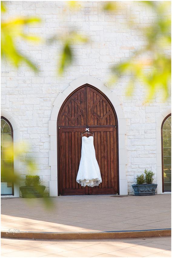 ashton-gardens-wedding-denton-corinth-aleman-photos 003