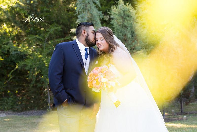 the-springs-mckinney-wedding-anna-texas-country-outdoor-dallas-photographer-aleman-photos-cowboys-softball-blue-jeans-boots028