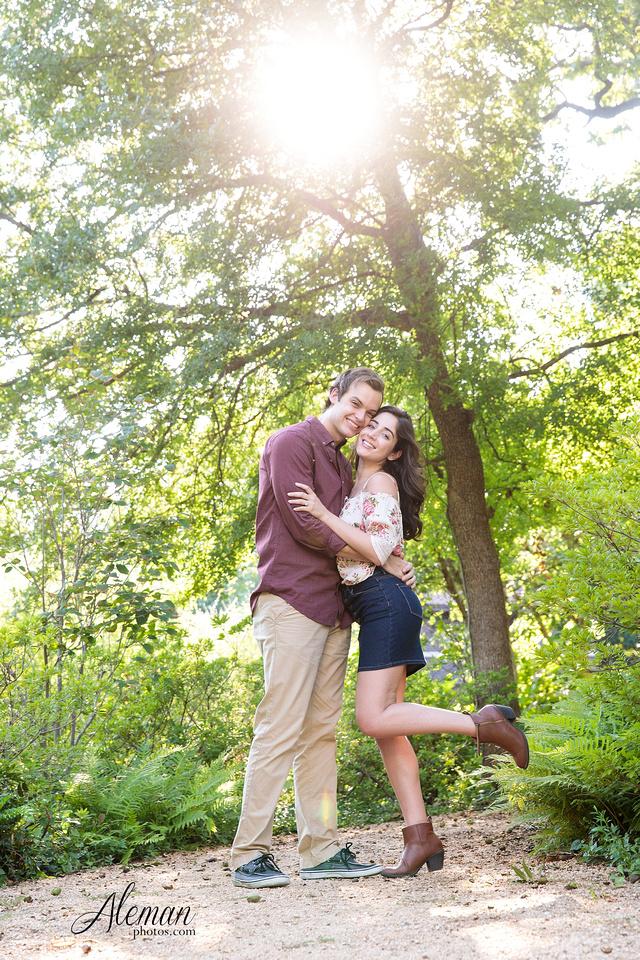 dallas-wedding-photographer-engagement-dfw-aleman-photos-outdoor-session-miranda-jesse007