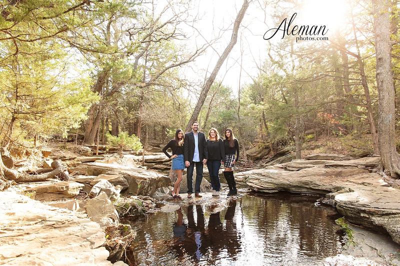 stone-creek-park-dallas-family-photographer-fall-christmas-robin-aleman-photos 008