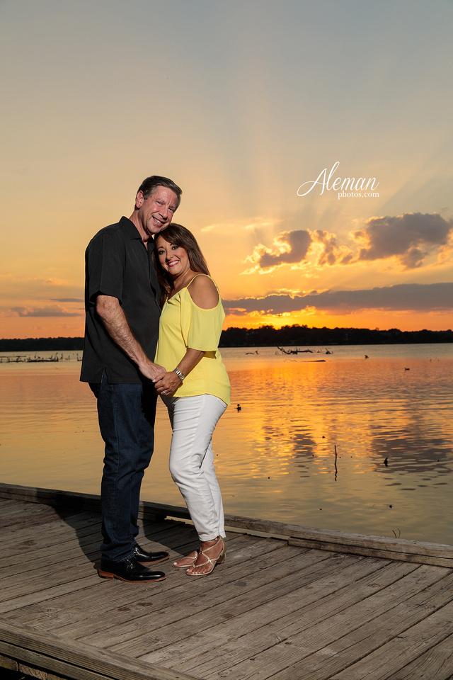 white-rock-lake-sunset-engagement-monica-wally-aleman-photos003