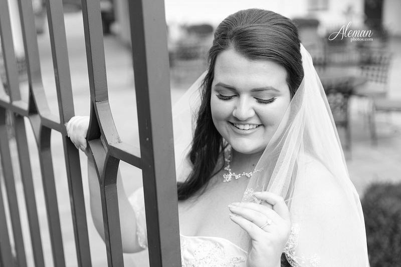 dallas-arboretum-bridals-wedding-dress-portraits-outdoor-aleman-photos-beca003