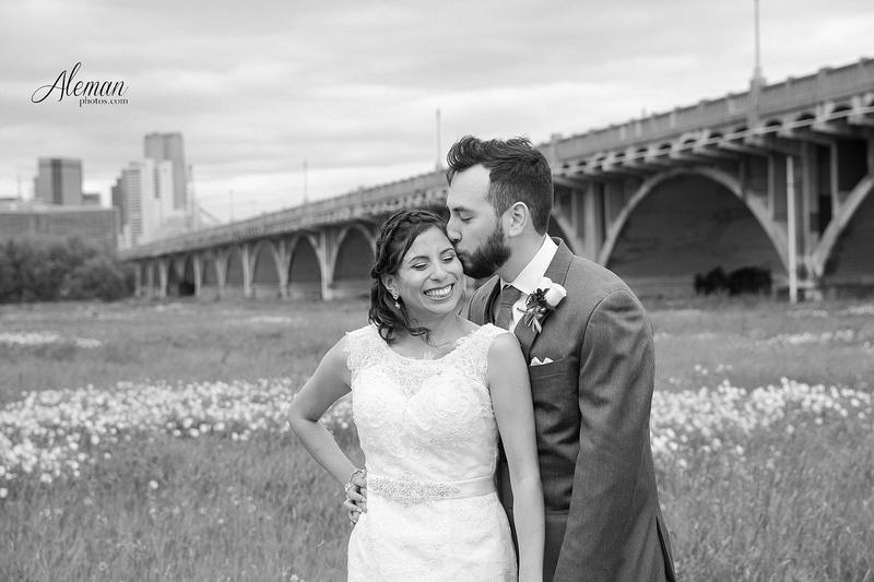 engagement-dallas-downtown-wedding-skyline-wedding-photographer-aleman-photos-dallas-miranda-alex005